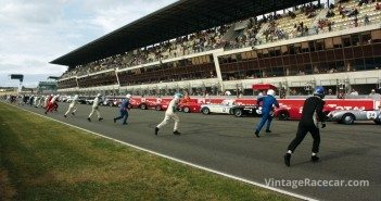 Drivers recreate the classic ÒLe MansÓ start.