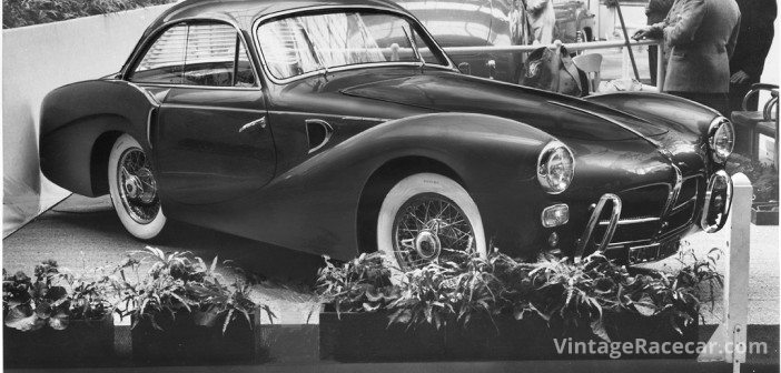 1953 Paris Salon: Saoutchik's exotic coupŽ on the Pegaso chassis has unusual front fender treatment. Large over-riders, without a bumper, are used.