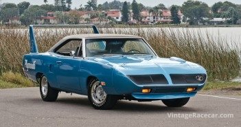 1970 Plymouth Superbird received a high bid of $160,000, but did not sell.