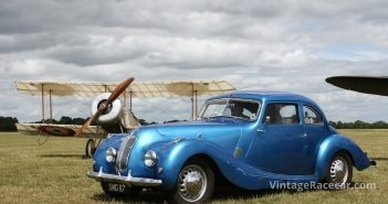 vintage-cars-and-planes-will-be-seen-at-the-sunday-scramble-image-by-pete-austin-copy