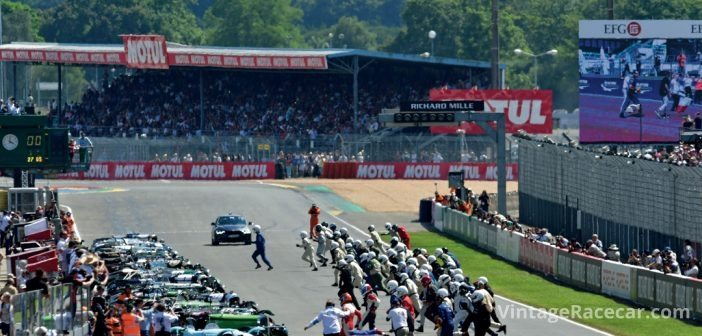 Classic Le Mans start, the run and jump for Plateau 1. Photo: Peter Collins