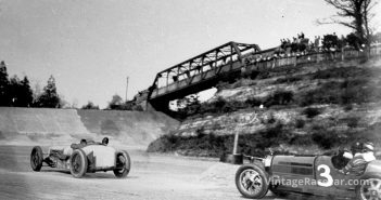Rivers hangs on tight as Campbell leans his Delage into a rising right-hander while being closely pursued by a Bugatti.