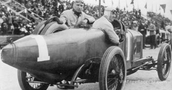 Dario Resta drives his Peugeot to victory in the American Grand Prize (1915).