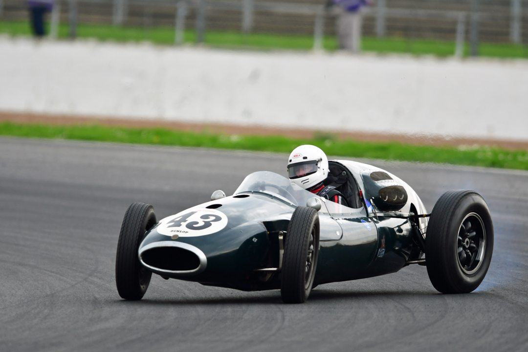 Great powerslide by Charles Gillet Cooper T43.