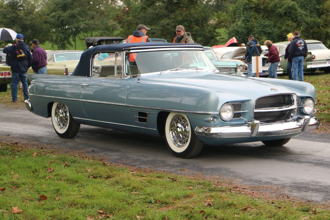 At least one person noticed this Dual Ghia as it entered the field