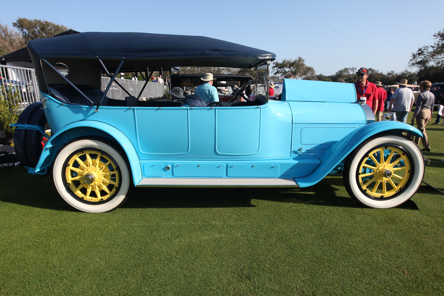 The entire family could go touring in the 1918 Locomobile Model 38, 7-Passenger Touring.