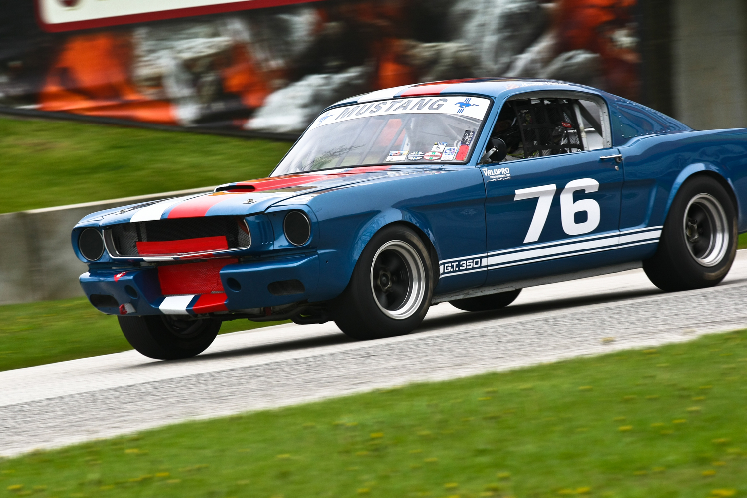 #76 - Henry Vicioso - 1965 Mustang. Photo: Jeff Schabowski