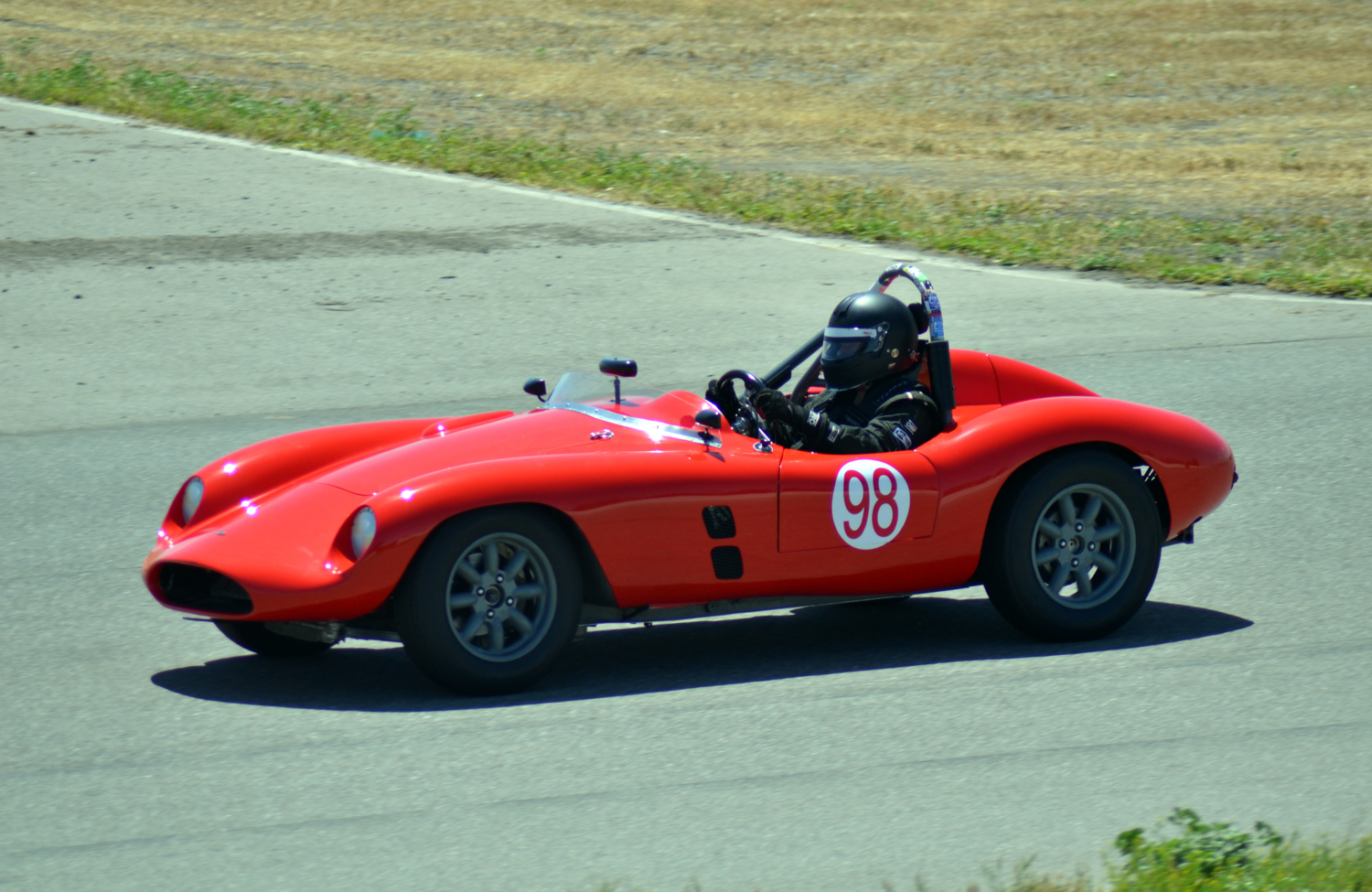 #98 Bill Hart, 1959 Devin, Best Lap: 2:18.567
