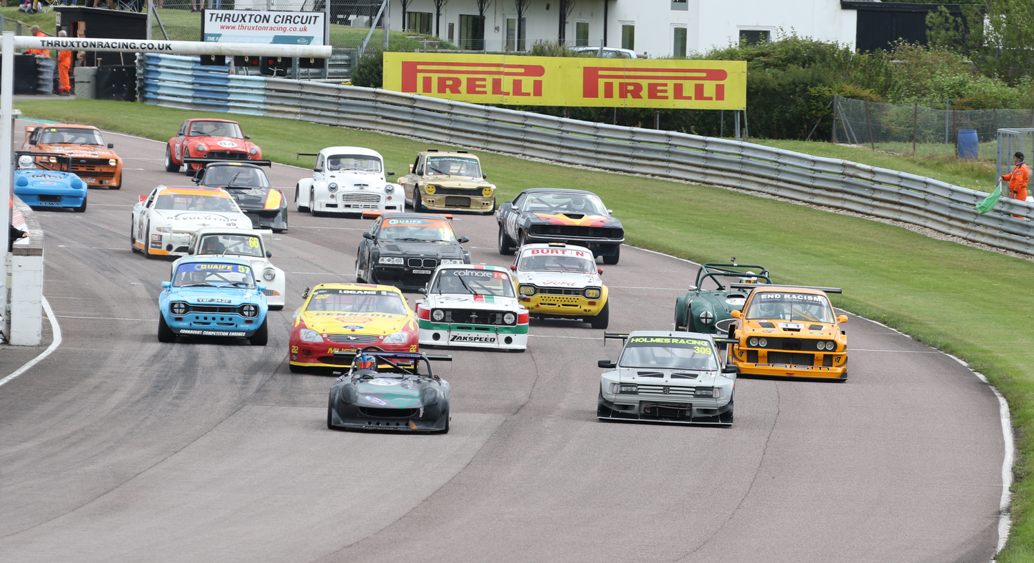 Start of the fastest race of the day for Special Saloons and Modsports. Picasa