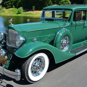 1933 Packard Super Eight Model 1004 7-Passenger Sedan