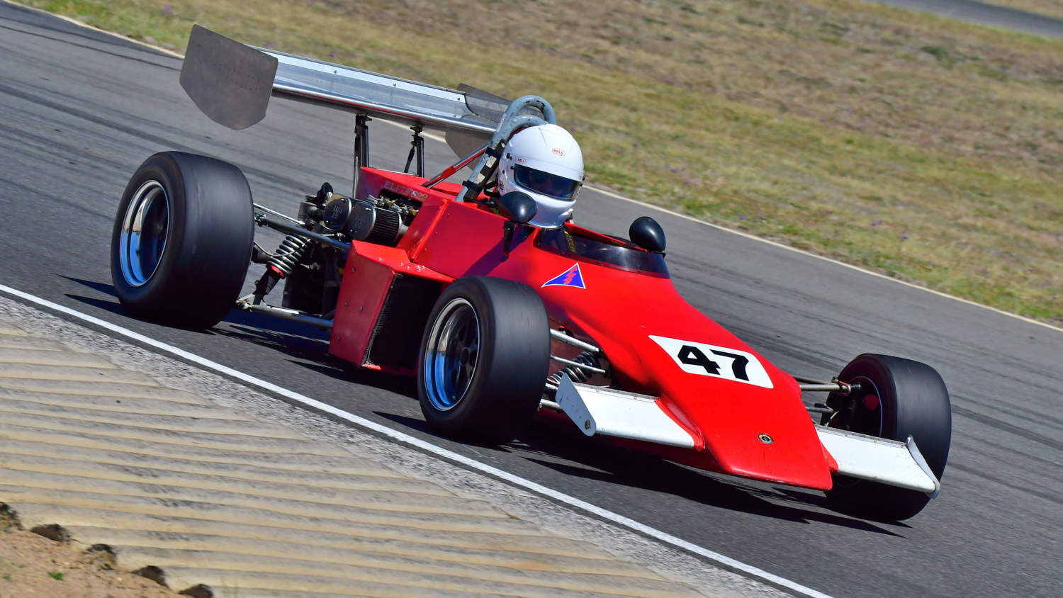 Daniel McCarthy in the 1973 Elfin 622. Peter Buchanan Photo. PETER BUCHANAN    0417349937