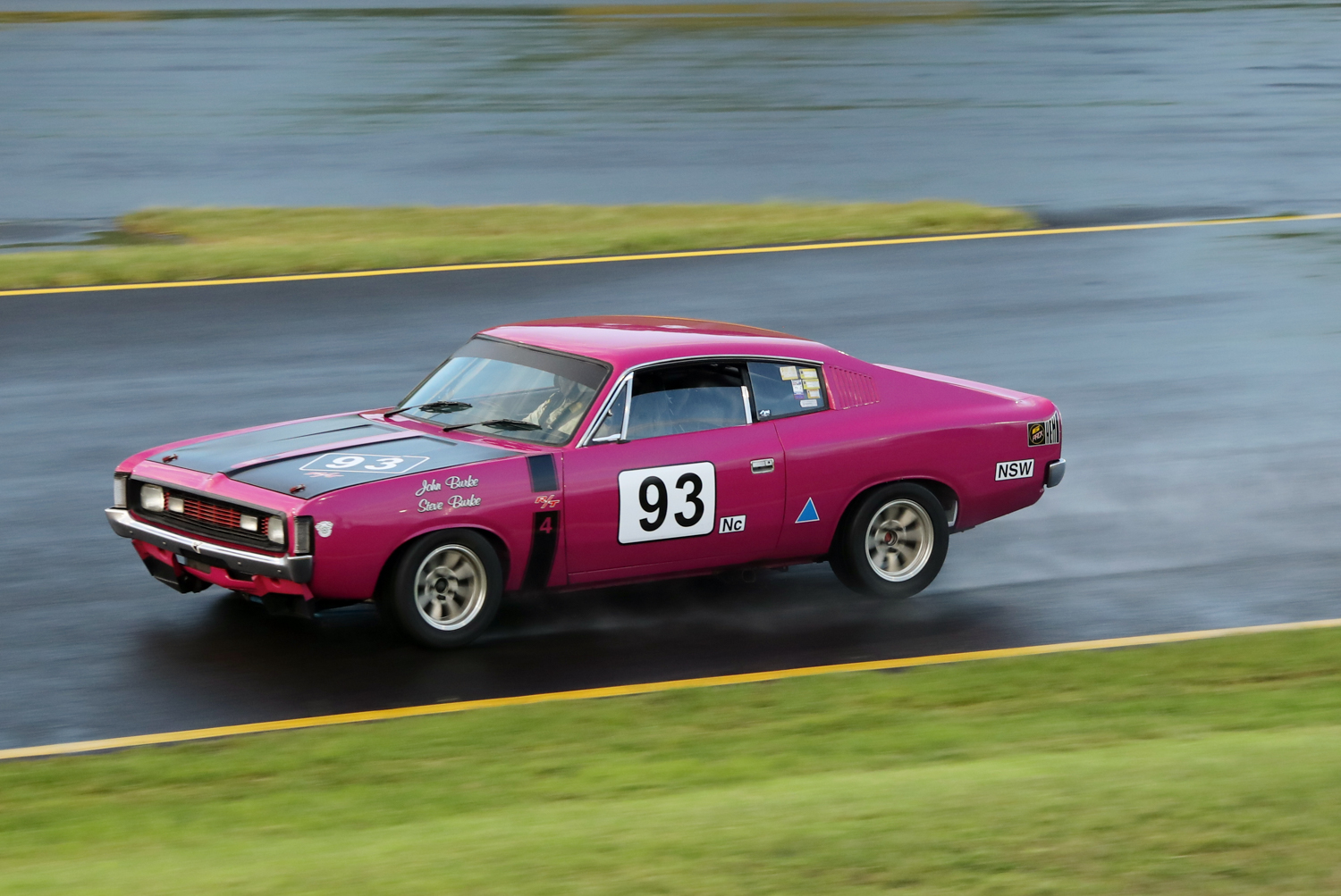 The Valiant Charger R/T 4 of John Burke. Steve Oom Photo. STEVE OOM PHOTOGRAPHY