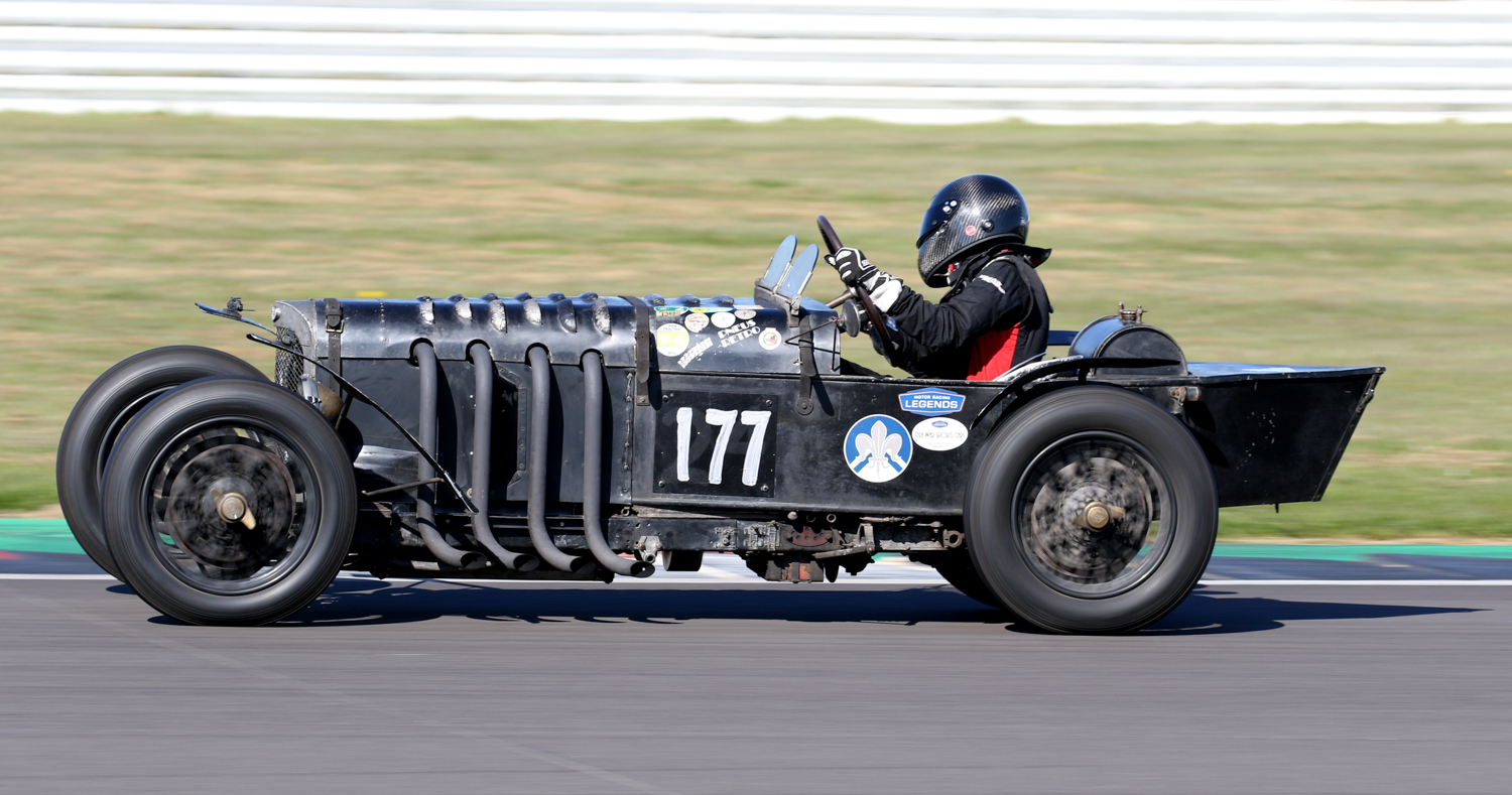 AS EVER JUSTIN MAEERS ENTERTAINED IN THE 1926 GN PARKER.JPG Picasa